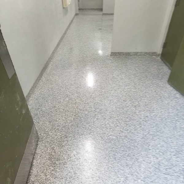 GREY EPOXY WITH FLECKS